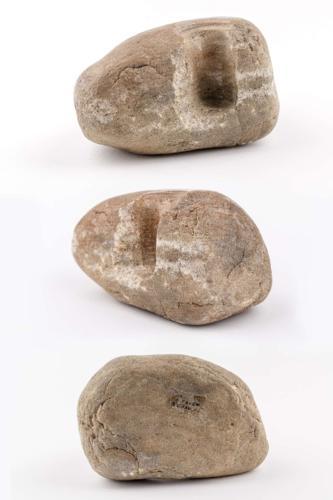 Stein mit Bohrloch